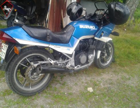 Suzuki  1983