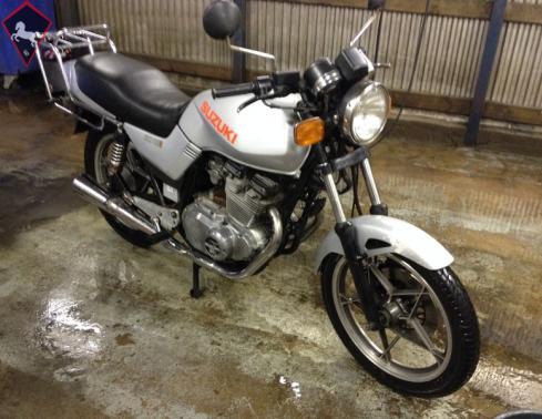 Suzuki  1982