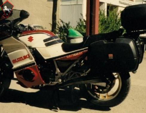 Suzuki  1985