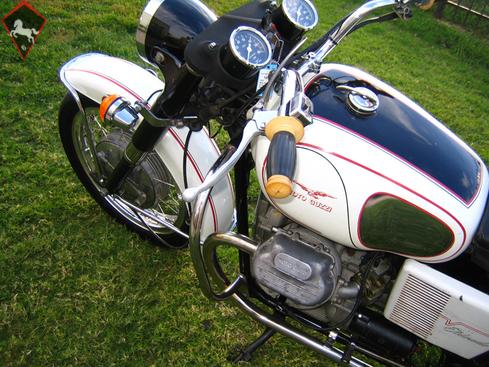 Moto Guzzi  1972
