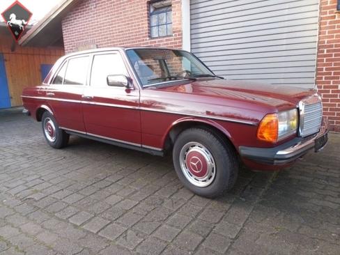 Mercedes-Benz 200 w123 1983