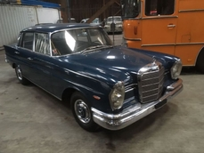 Mercedes-Benz 220S w111 Fintail 1960