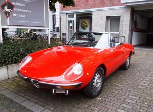 Alfa Romeo Spider 1975