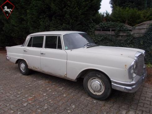 Mercedes-Benz 220S w111 Fena 1965