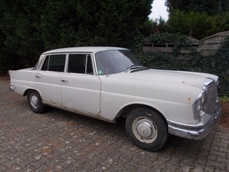 Mercedes-Benz 220S w111 Fintail 1965