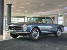 Mercedes-Benz 280SL w107 1970