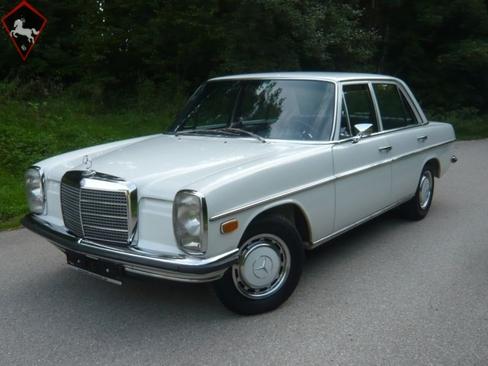 Mercedes-Benz 220 w115 1972