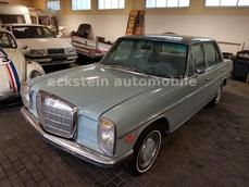 Mercedes-Benz 220 w115 1971