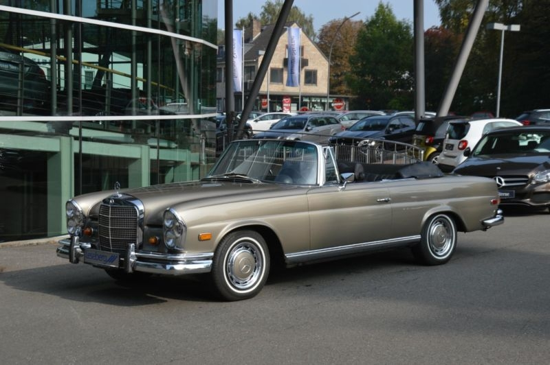 1969 mercedes benz 280se cabriolet w111 is listed for sale. Black Bedroom Furniture Sets. Home Design Ideas