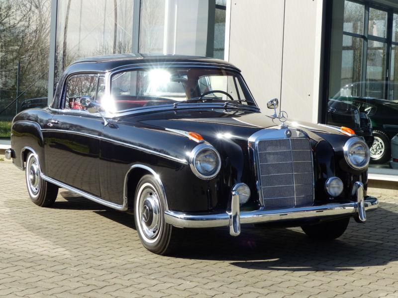1960 mercedes benz 220s se coup ponton is listed for sale. Black Bedroom Furniture Sets. Home Design Ideas