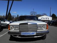 Mercedes-Benz 230 w123 1982