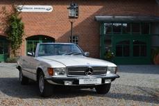 Mercedes-Benz 280SL w107 1977