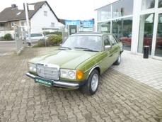 Mercedes-Benz 250 w123 1980