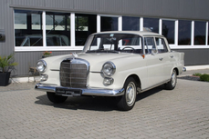Mercedes-Benz 190 w110 Fintail 1965