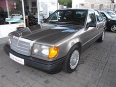 Mercedes-Benz 260 w124 1988