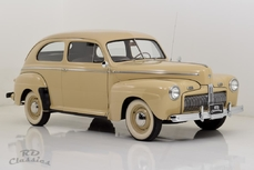 Ford De Luxe 1942