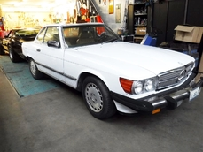 Mercedes-Benz 560SL w107 1987