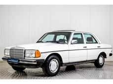 Mercedes-Benz 200 w123 1982
