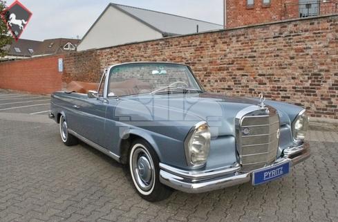 Mercedes-Benz 220SE Cabriolet w111 1963