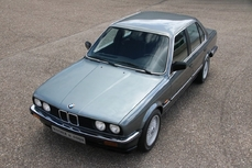 BMW 320 1985