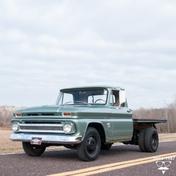 Chevrolet 1 1/2 ton Pickup 1964