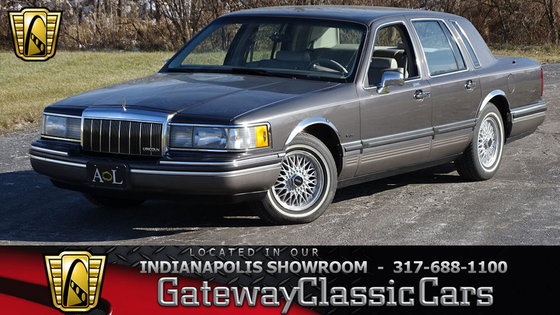 1992 Lincoln Town Car is listed For sale on ClassicDigest in Indianapolis  by Gateway Classic Cars - Indianapolis for $10000