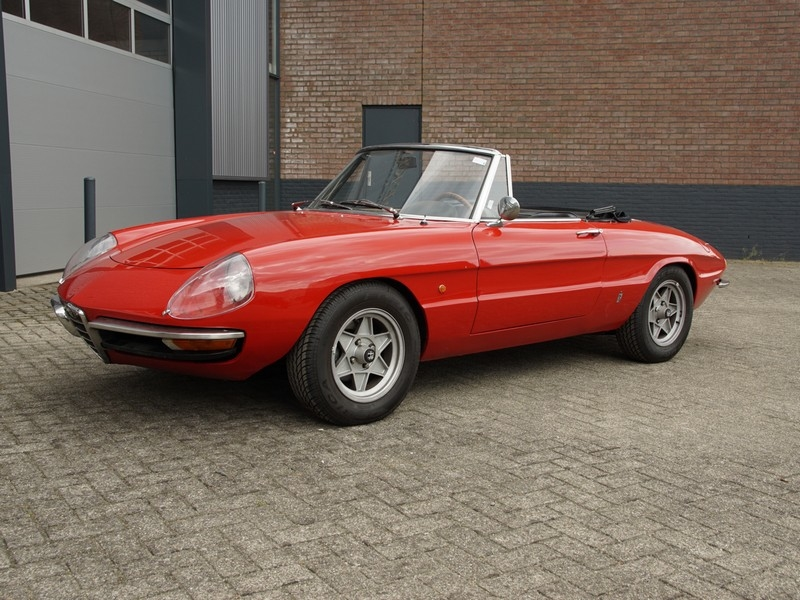 1969 alfa romeo spider duetto is listed for sale on classicdigest in brummen by the gallery for \u20ac27500 Alfa Romeo Bat 3
