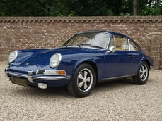 For sale Porsche 911 Early LWB 1970