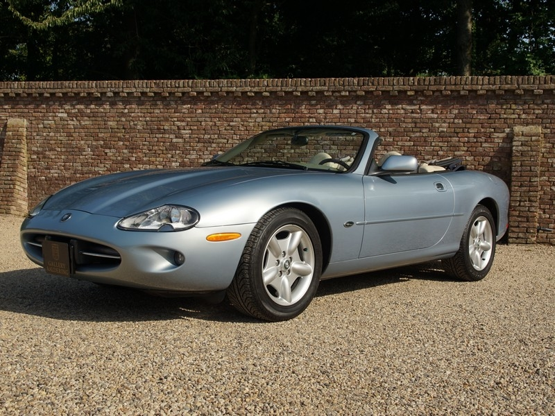 1997 Jaguar XK8 is listed zu verkaufen on ClassicDigest in Brummen by The  Gallery for €25950