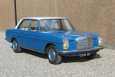 Mercedes-Benz 200 w115 1971