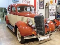 Ford V-8 1935