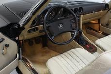 Mercedes-Benz 300SL w107 1988