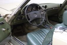 Mercedes-Benz 350SL w107 1972