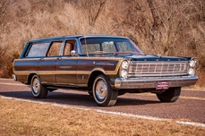 Ford Country Squire 1965