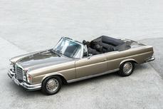 Mercedes-Benz 280SE Cabriolet w111 1975