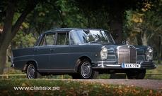 Mercedes-Benz 230S w111 Fintail 1966