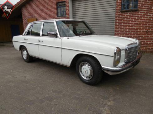 Mercedes-Benz 240 w115 1976