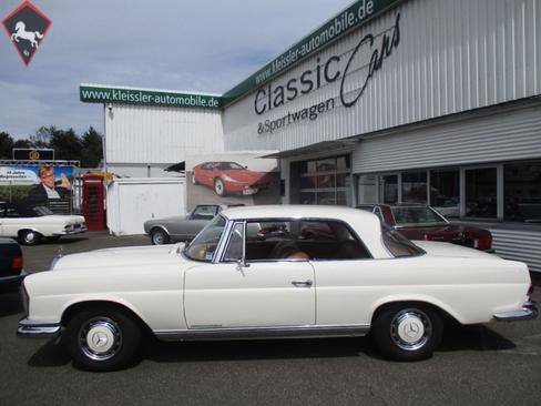 Mercedes-Benz 220SE Coupé  w111 1965