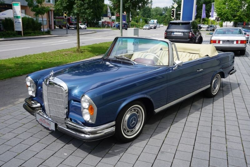 1964 mercedes benz 220se cabriolet w111 is listed for sale. Black Bedroom Furniture Sets. Home Design Ideas