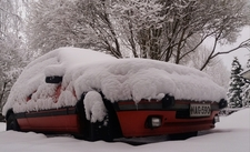Peugeot 205 GTI meets the snow