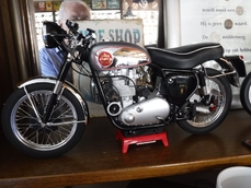 Bike scale models BSA Goldstar 0000